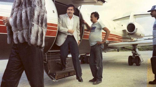 Pieles, joyas, coches de lujo y viajes en jet privado: Pablo le daba todo a sus amantes