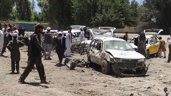 Un ataque talibán en la provincia de Khost que dejó un saldo de 13 muertos en mayo (AFP)
