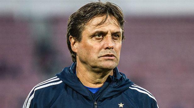 Ángel Hoyos se convertirá en el nuevo entrenador de Aldosivi (@clubuniversidaddechileoficial)