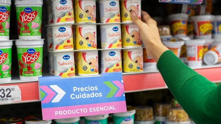 Dentro de Productos Esenciales hay un larga lista de lácteos
