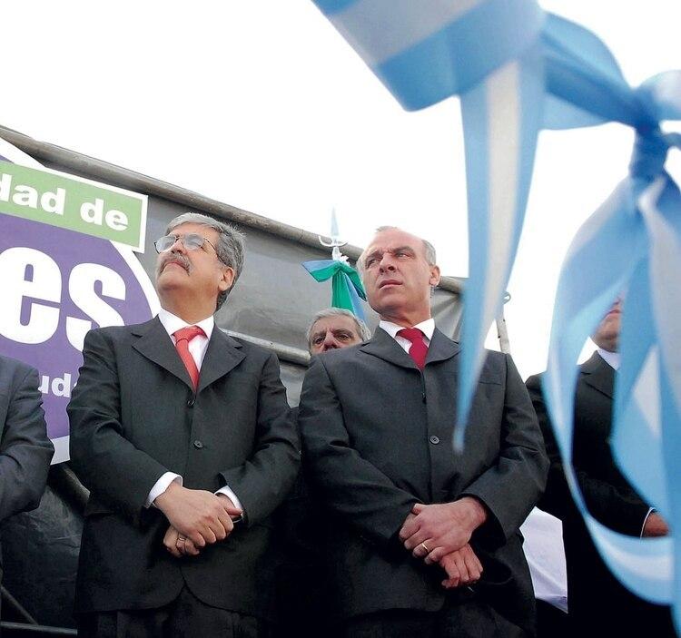 Claudio Uberti junto a Julio De Vido en un acto