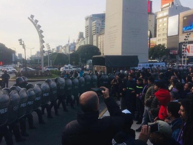 La zona del Obelisco se convirtió en escenario de disturbios (Foto: @FtePatriaGrande)