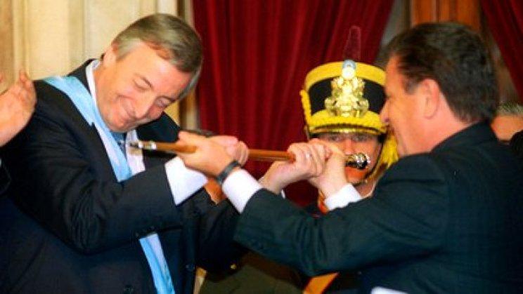 Néstor Kirchner en la asunción presidencial de 2003 (NA)