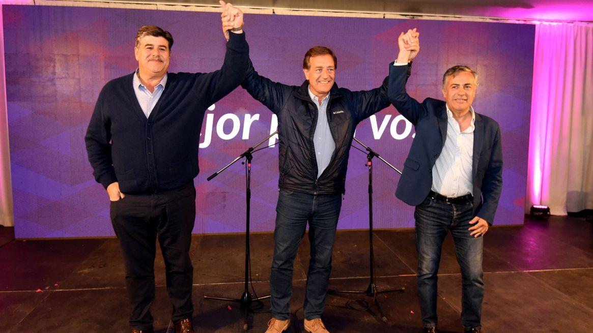El 10 de junio Rodolfo Suárez ganó. El 11 de agosto Alfredo Cornejo perdió por pocos votos (Télam)
