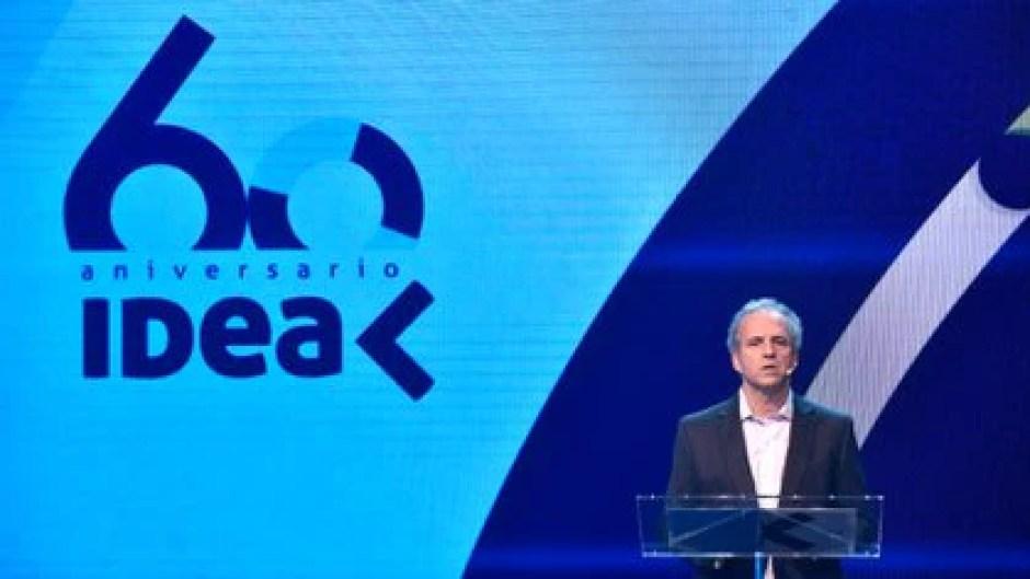 Roberto Alexander hizo la presentación formal del 56° Coloquio de IDEA