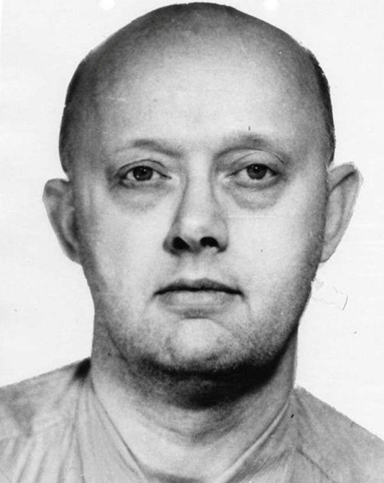 El retrato de Benjamin Paddock que el FBI distribuyó en los '60 para dar on él(Reuters)