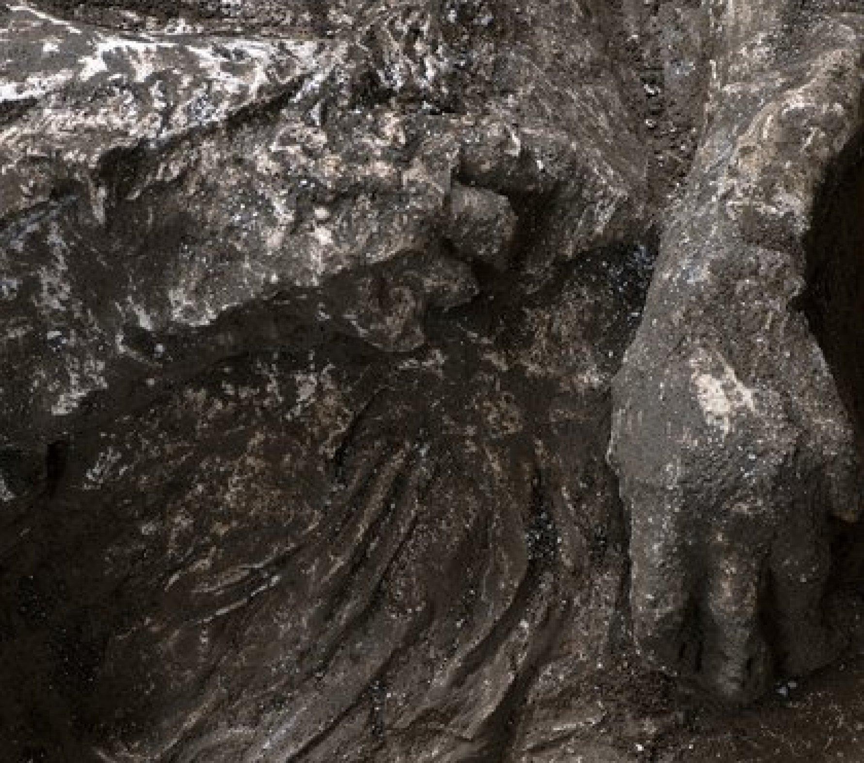 """""""Las víctimas probablemente buscaban refugio en el criptoporticus, en este espacio subterráneo, donde pensaban que estaban mejor protegidas"""", señaló el arqueólogo Massimo Osanna (Luigi Spina/Handout via REUTERS)"""