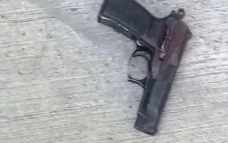 El arma con la que mató a los policías (Diario Crónica)