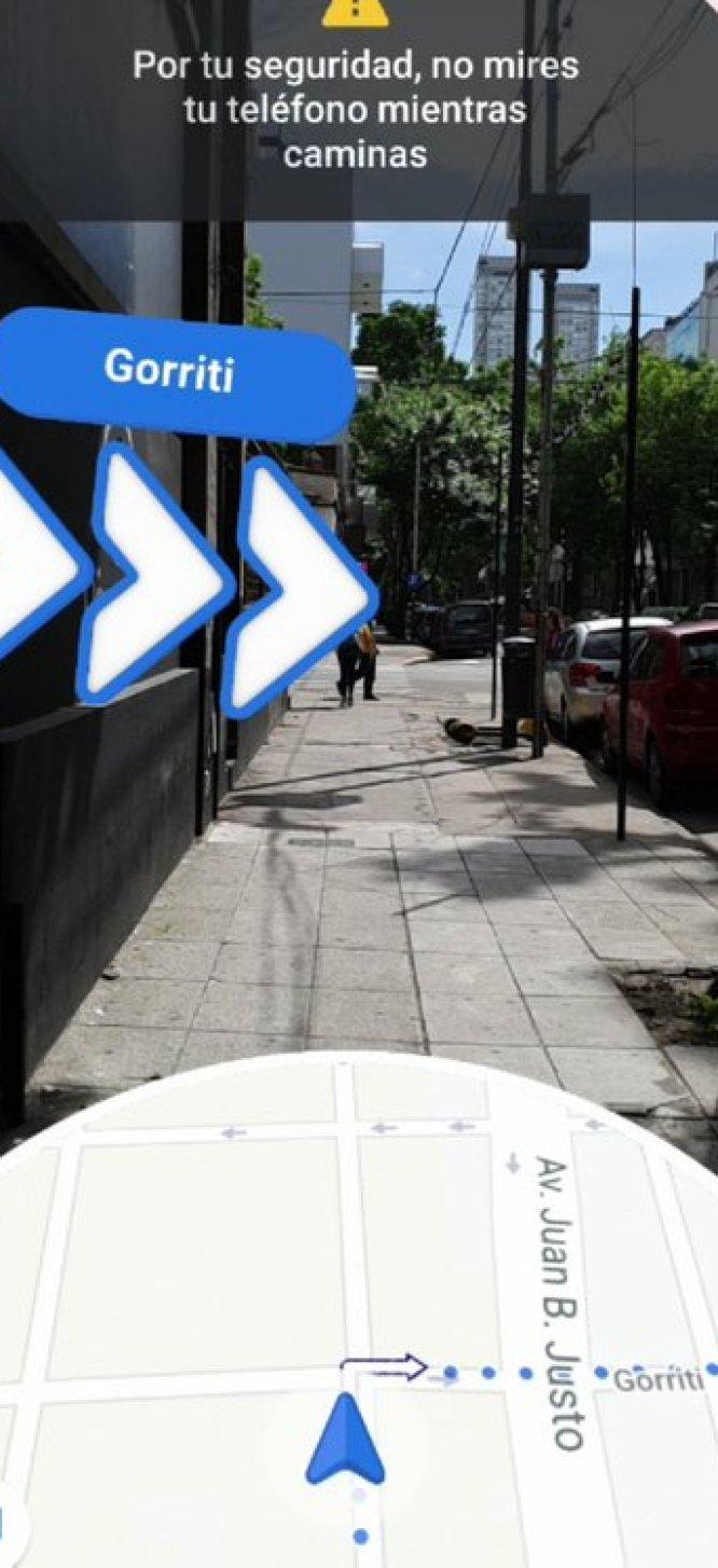 Se puede activar la opción realidad aumentada para navegar dentro de Google Maps.
