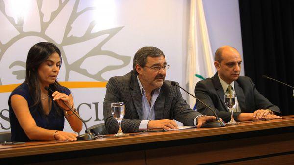 La comisión que estudia la regulación del consumo de alcohol está integrada por representantes de todos los partidos políticos de Uruguay (EFE)