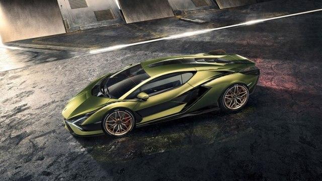 La marca asegura que mantiene inalterable el sonido de su emblemático motor V12