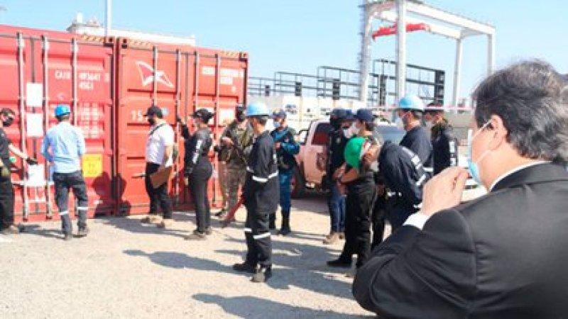 El ministro Euclides Acevedo en el puerto privado donde se incautó la cocaína (Foto: Ministerio Público de Paraguay)