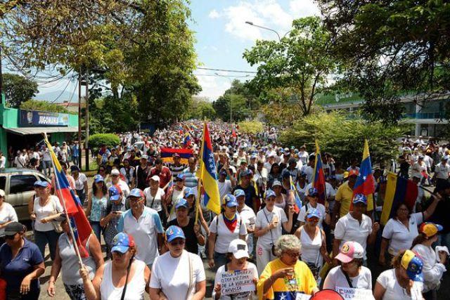 Hay marchas a diario en Venezuela (AFP)