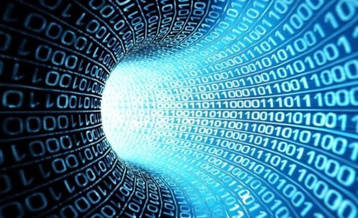 La computación cuántica se rige por el principio de superposición, permitiendo a una misma partícula representar varios estados al mismo tiempo.