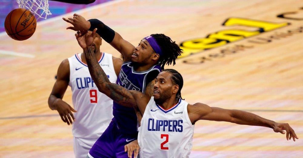 100-138. Leonard, George Lead Clippers Shooting Show - Globe Live Media