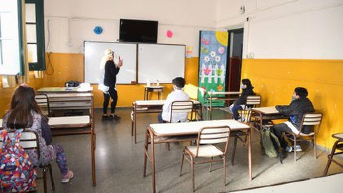 El jefe de Gabinete resaltó que la presencialidad en los colegios sigue vigente (NA)