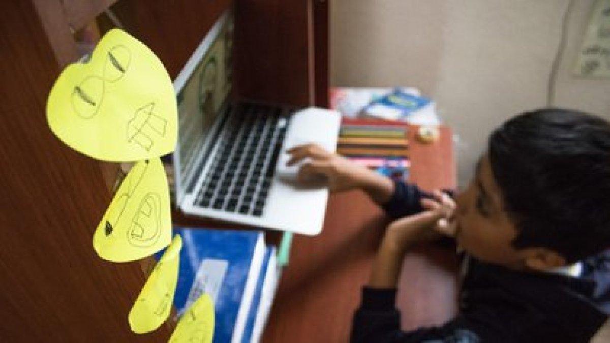 La beca Leona Vicario es permanente hasta que el menor cumpla 18 años(Foto: Cuartoscuro)