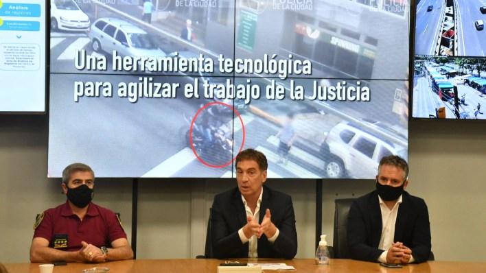 Presentación Biblioteca Digilal Policía de la Ciudad  el ministro de Seguridad porteño Diego Santilli, el secretario de Justicia Marcelo D'Alessandro y el jefe de Policía de la Ciudad Gabriel Berard