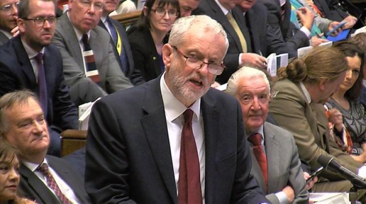 Jeremy Corbyn, líder laborista de la oposición criticó el dinero gastado en el Brexit y un presipueso que a su juicio prolonga la austeridad (Reuters)
