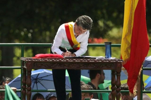 """La flamante alcaldesa de Bogotá tuvo un fuerte discurso contra """"el racismo, el clasismo, el machismo y la xenofobia"""" (REUTERS/Luisa Gonzalez)"""