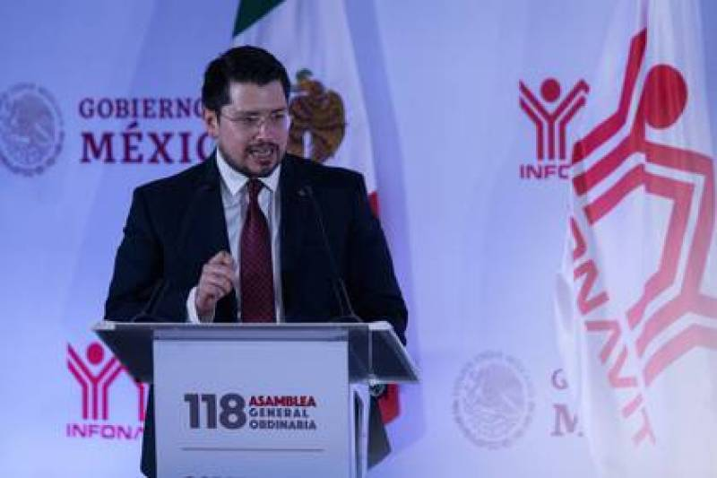 Carlos Martínez, CEO of Infonavit, announced new measures to protect the family economy. (Photo: Galo Cañas / Cuartoscuro)