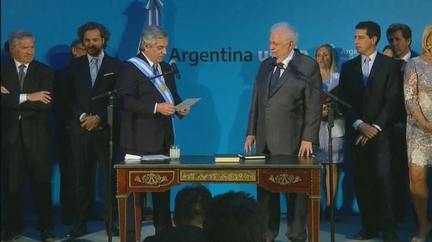 Los ministros de Alberto Fernández asumieron el 12 de diciembre en el Museo de la Casa Rosada. Aquí, la jura de Ginés González García.