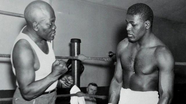 Jack Johnson fue el primer afroamericano campeón de pesos pesados (Getty)