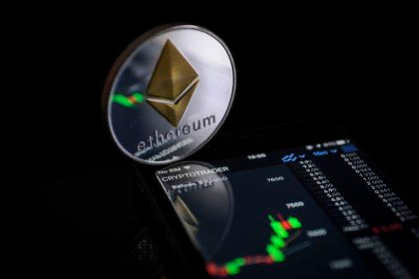 Ethereum ha ganado más de 300% en lo que va del año, comparado a un avance del 95% de Bitcoin