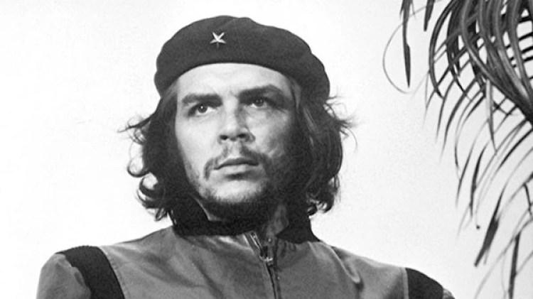 La foto icónica de Ernesto Guevara tomada por ASlberto Díaz (Korda) en 1960
