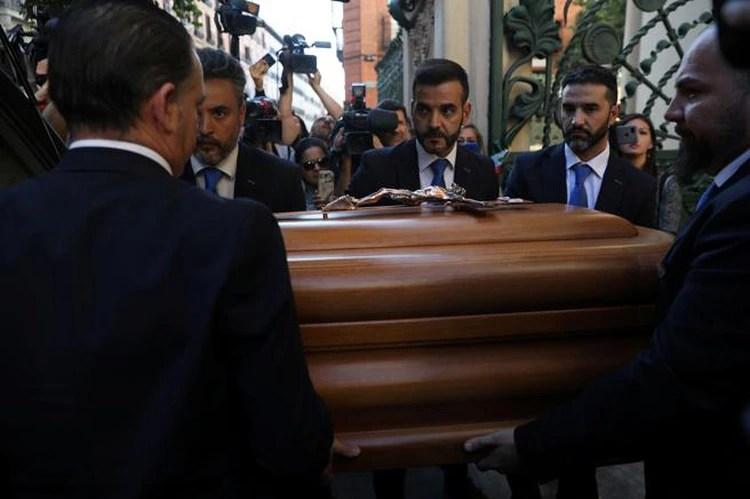 El hijo único de Camilo Sestoviajó a Madrid para acudir ala capilla ardiente y despedirse de su padre(Foto: Susana Vera/Reuters)