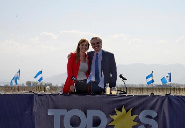 Fernández Sagasti recibió el respaldo de Alberto Fernández