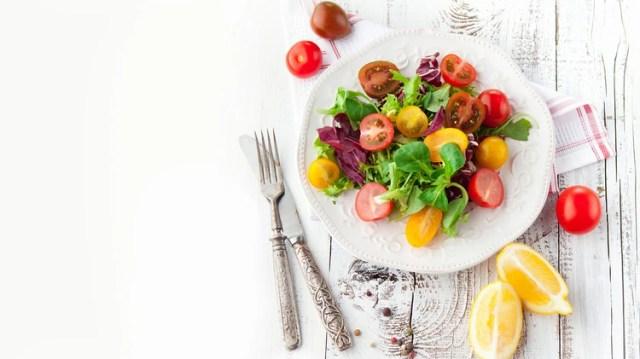 El plato, sea invierno o verano, debe contener un 50% de vegetales(Shutterstock)