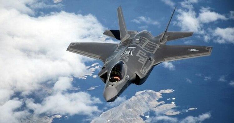 El F-35 Lightning II es el caza más moderno del planeta e incorpora buenas parte del diseño y características del Raptor (Imagen de archivo)