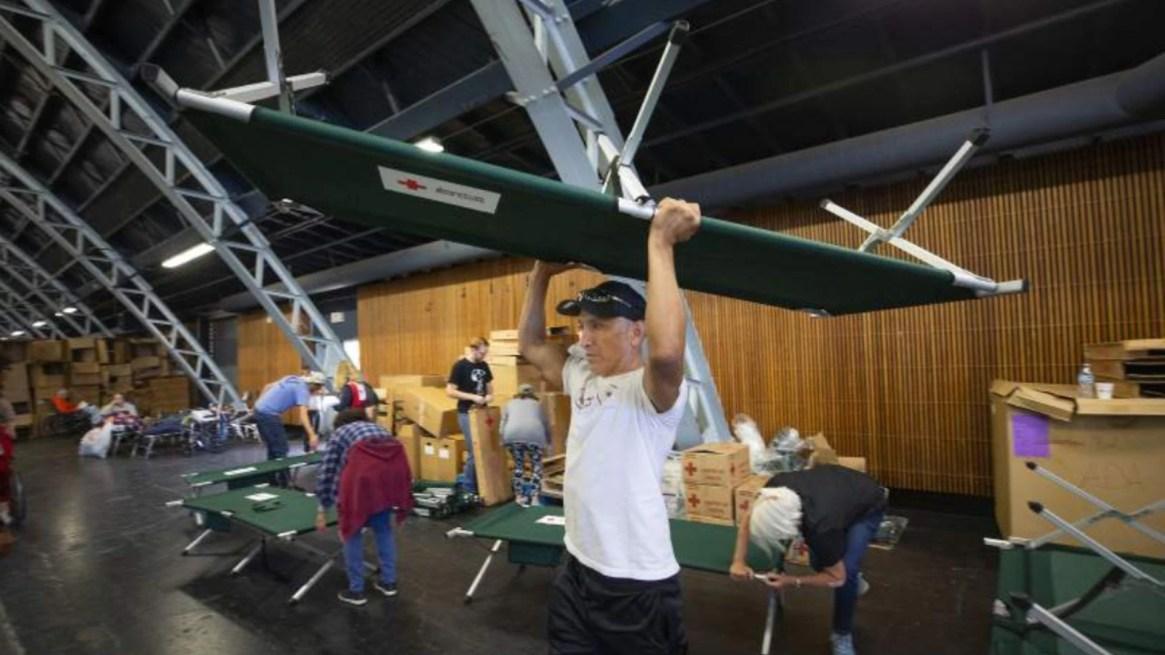 La Cruz Roja estadounidense abrió 22 refugios en California para los evacuados (Foto: Twitter - Cruz Roja)