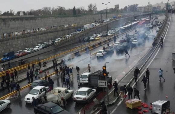 La represión del régimen iraní dejó al menos 106 muertos (Nazanin Tabatabaee/WANA)