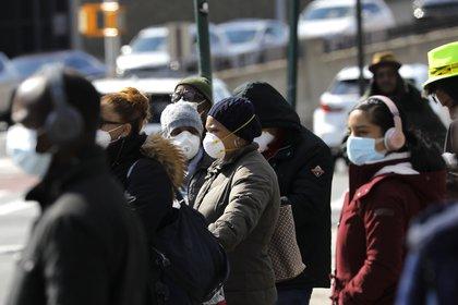 Estados Unidos se sitúa a la cabeza mundial de infecciones con covid-19 con 14.012.378 casos, seguido de la India con 9,5 millones de casos acumulados y Brasil con 6,4 millones. EFE/Peter Foley/Archivo