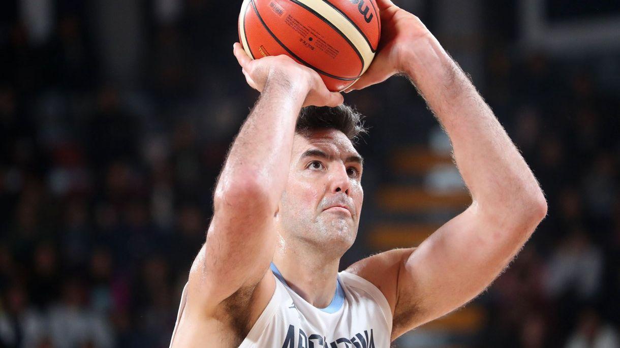 Luis Scola, el abanderado de la Selección Argentina de básquet en el Mundial de China 2019 (REUTERS/Sergio Moraes)