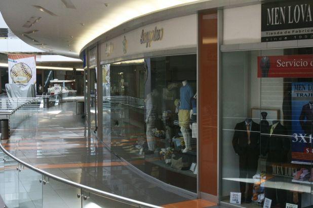Los grandes centros comerciales seguirán cerrados