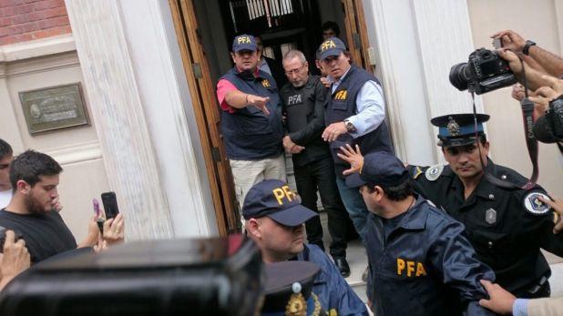 Ricardo Jaime al ser detenido (Prensa Policia Federal)
