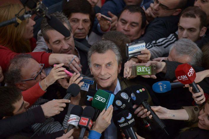 En la imagen un registro del expresidente de Argentina Mauricio Macri, al atender a la prensa en Buenos Aires (Argentina). EFE/Martin Di Maggio/Archivo