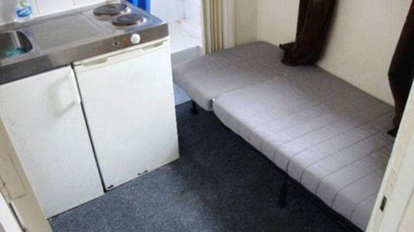 """El """"armario con ventana y cañerías"""" se ofrece por 520 libras al mes, unos 644 dólares"""