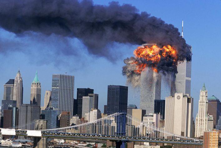 El 11 de septiembre de 2001 dos aviones impactaron contra las Torres Gemelas, de 101 pisos, en Manhattan. El atentado impactó al mundo y dejó al menos 3.000 personas muertas.