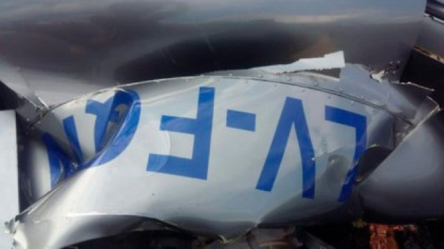 Los restos del helicóptero tras el accidente (Foto: DNISalta.com)