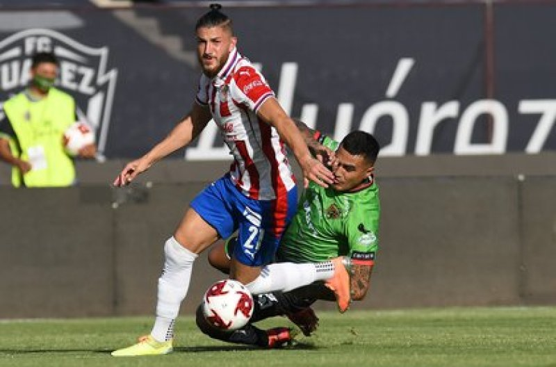 For Gabriel Caballero, Juárez was harmed by the arbitration (Photo: Twitter / @Chivas)