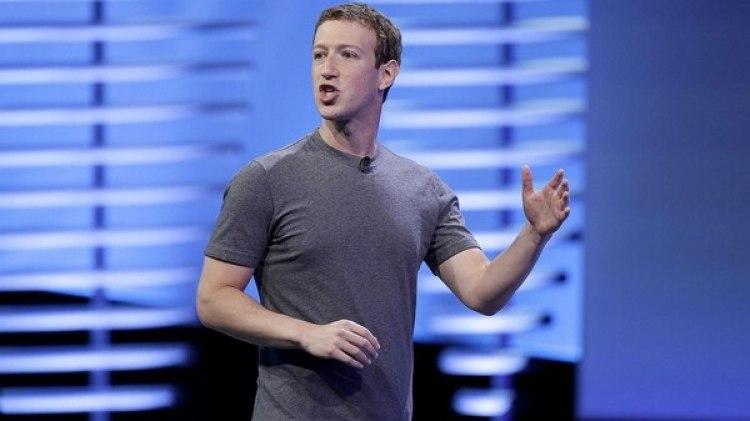 La presión de Mark Zuckerberg por el rendimiento económico de WhatsApp causó la pelea. (AP)