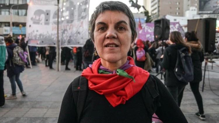 """Ruht Zurbriggen, de la organización feminista Le Revuelta, considera que lo del """"límite de gestación es solo una excusa"""" (Gentileza: La Mañana de Cipoletti)"""