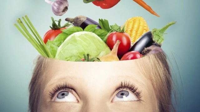 El menú pensado para potenciar el cerebro debe contener todos los alimentos, frutas, verduras, proteínas e hidratos