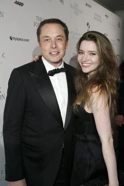 Seis semanas después de su divorcio, su primera esposa Justine recibió un mensaje de texto en el que su Elon Musk le anunciaba que estaba comprometido con la actriz Talulah Riley (Shutterstock)