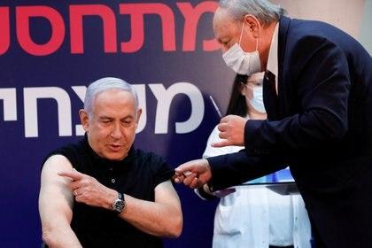 Netanyahu fue el primero en vacunarse, el 19 de diciembre pasado