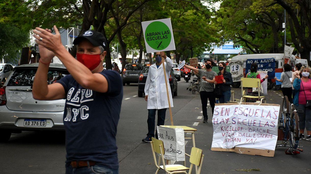 Protesta Quinta presidencial - Abran las escuelas
